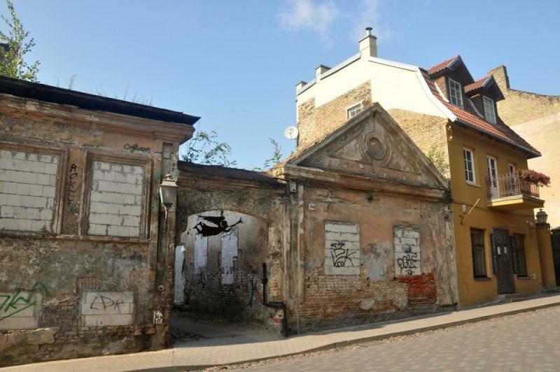 W czasach radzieckich bardzo zaniedbana dzielnica, teraz powoli odnawiana. Do tanich zniszczonych mieszkań zaczęli sprowadzać się artyści, chociaż podobno do tej pory wielu ludzi mieszka tu w tzw. squatach.