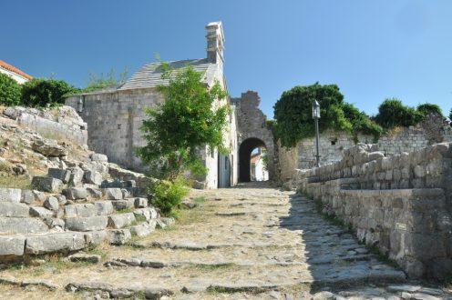 Czarnogóra w Starym Barze
